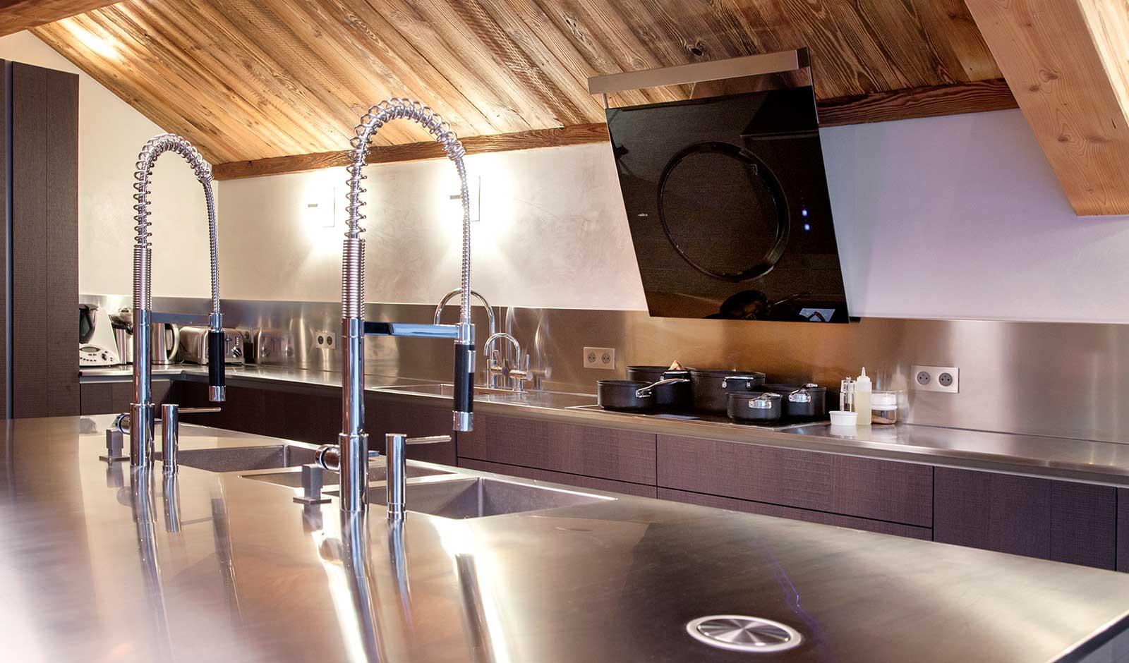 chalet-mont-tremblant-10-atelier-crea-and-co-architecte-design-project-manager-meribel-savoie