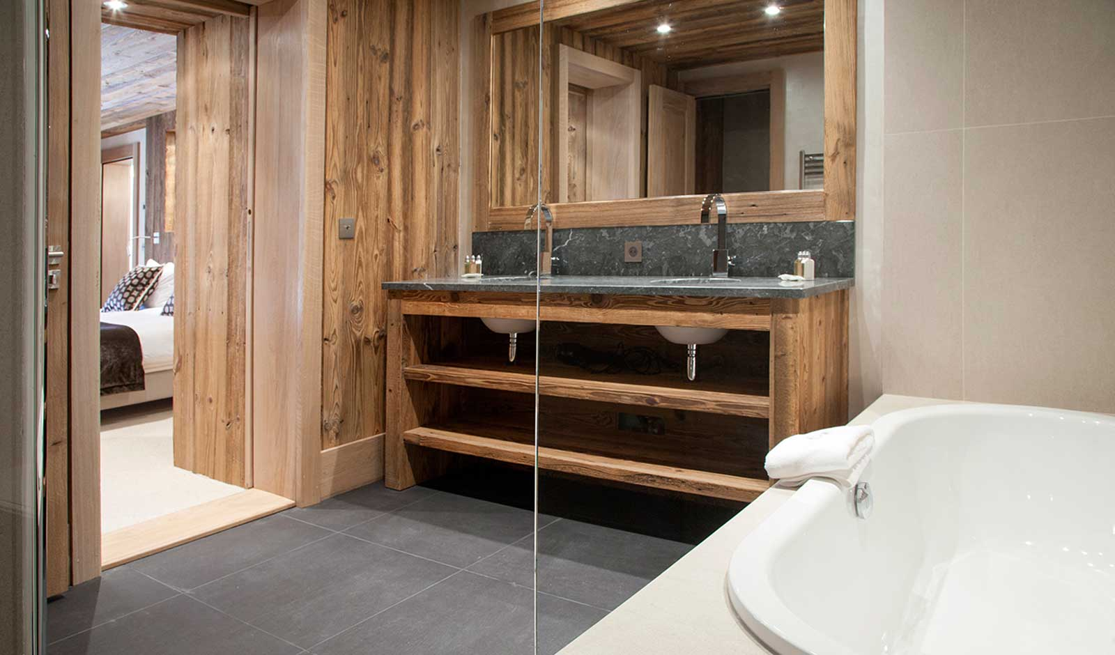 chalet-mont-tremblant-2-atelier-crea-and-co-architecte-design-project-manager-meribel-savoie