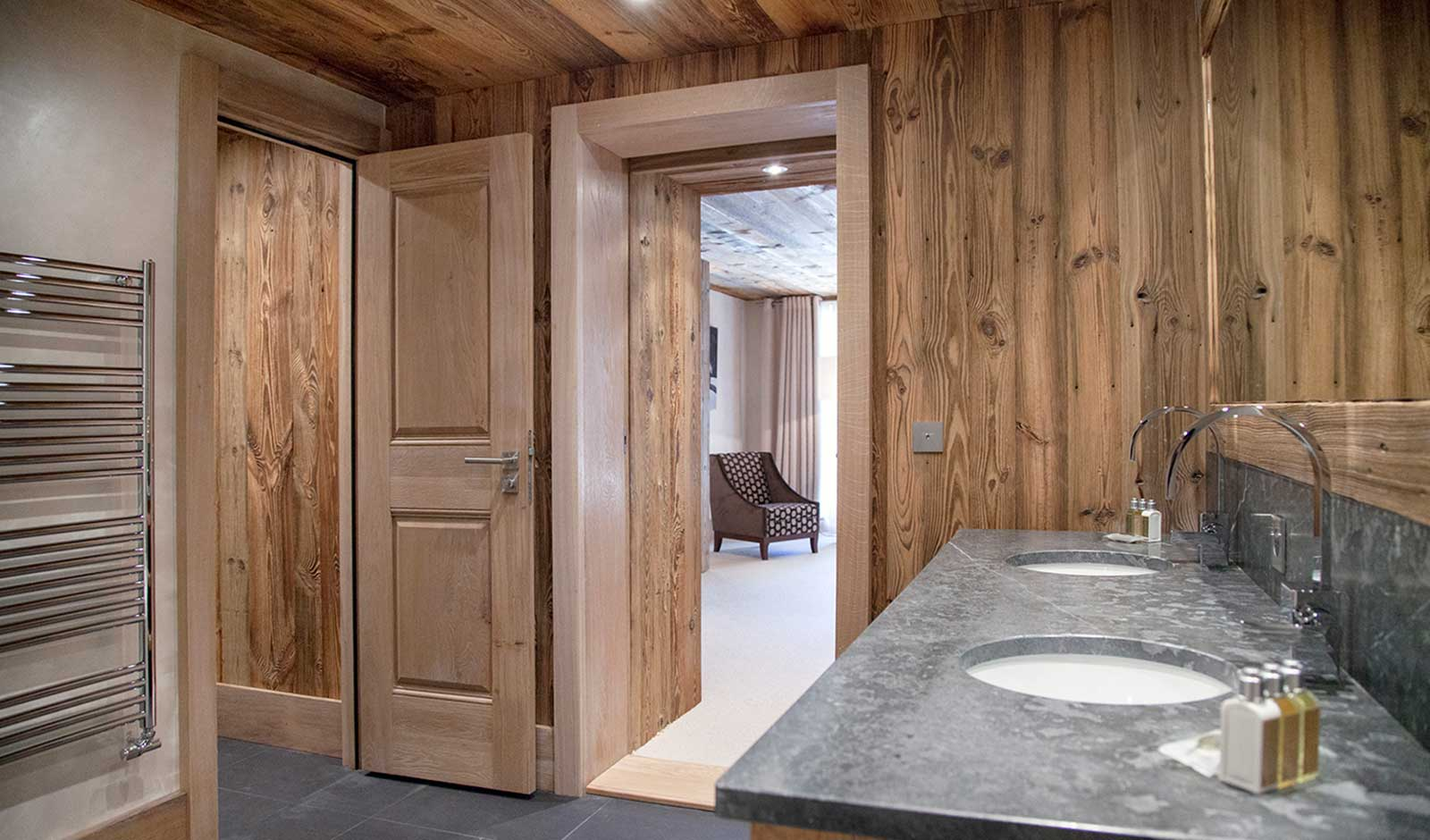chalet-mont-tremblant-3-atelier-crea-and-co-architecte-design-project-manager-meribel-savoie