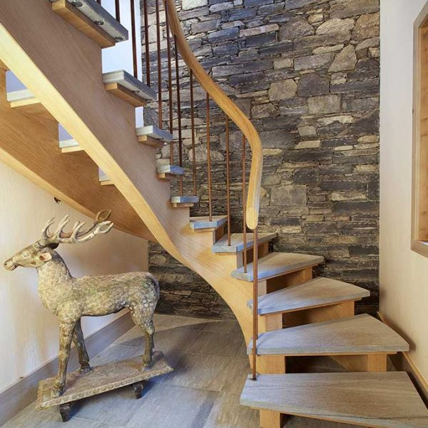 home-realisations-2-atelier-crea-and-co-architecte-design-project-manager-meribel-savoie